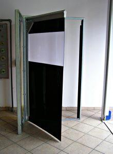 bramy wahadłowe PCV