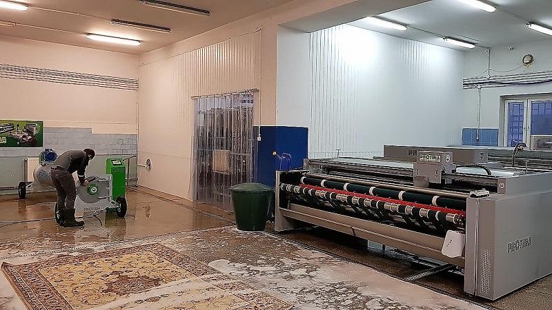 Kurtyny przemysłowe PVC w pralni dywanow